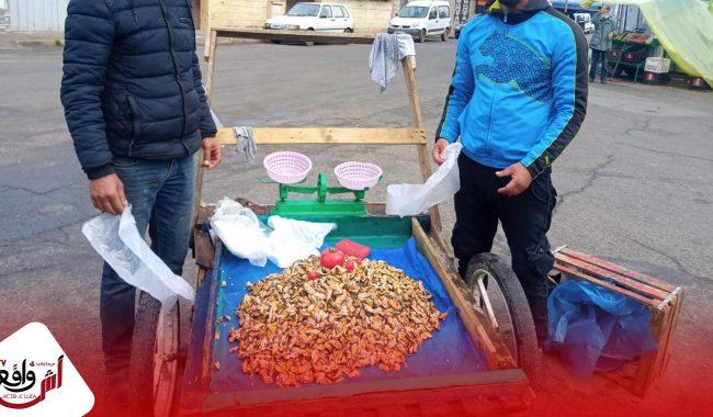 الباعة المتجولون بمنطقة فكاسي فكاك يطالبون بمجانية العربات وإدماجهم في السوق النموذجية