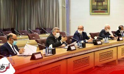 وزير الداخلية يعقد اجتماعا مع الأمناء العامين ورؤساء الأحزاب السياسية الممثلة في البرلمان